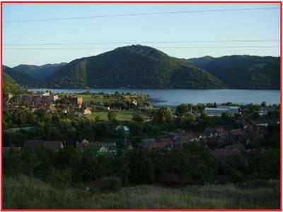 Teren intravilan  pe clisura Dunarii,  Zona Berzasca - Liubcova.