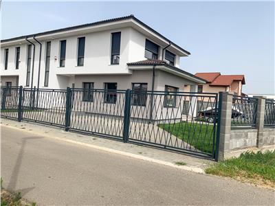 Casa tip duplex 4 camere, situat in Dumbravita