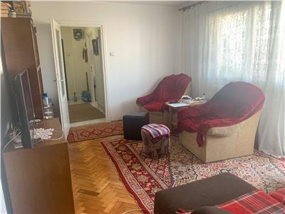 Apartament, 3 camere zona Gheorghe Lazar